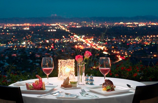 How to organize a romantic dinner for a Ukrainian girl