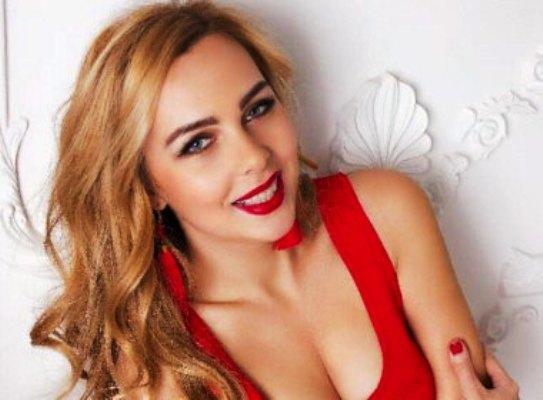Romantic relationship with a beautiful and intelligent Ukrainian woman