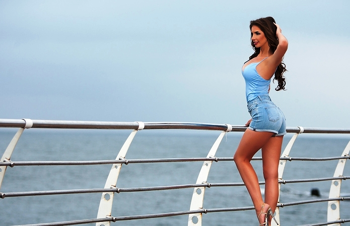 Pretty women to start romantic relationships with in Kiev
